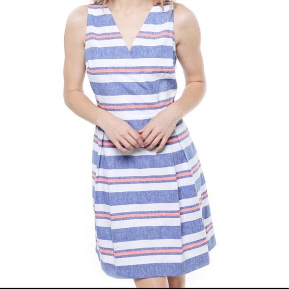 Vineyard Vines Dresses & Skirts - Vineyard Vines jean linen stripe dress size 10